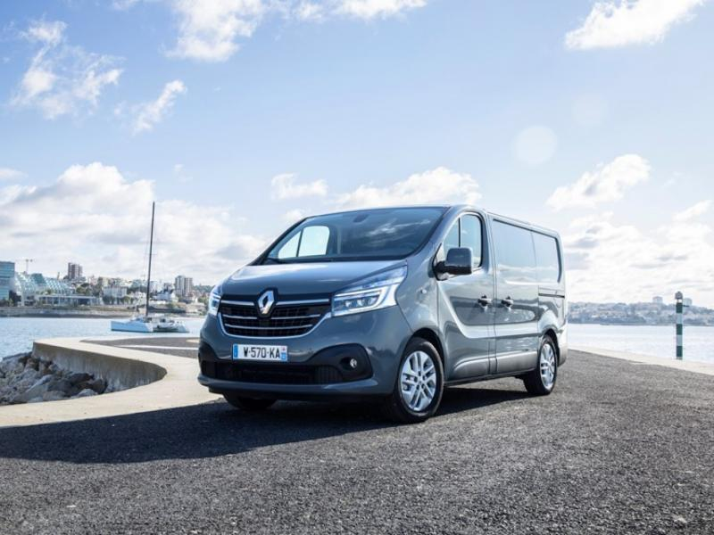 21227819 2019 New Renault TRAFIC press tests in Portugal